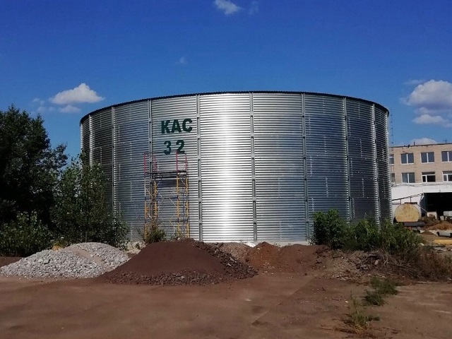 Tanks for storage of UAN